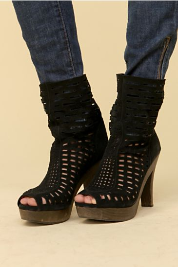 Data Cut Out Platform :  ankle boot heels shoes cut out
