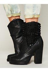 Chelsea Stud Boot