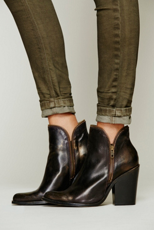 Jeffrey Campbell Womens 1968 Ankle Boot