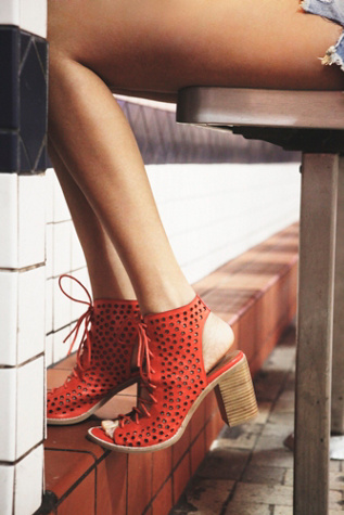 Jeffrey Campbell + Free People Womens Perf Minimal Lace Heel