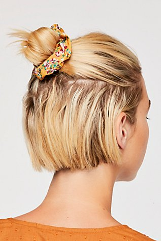 Sugar Scrunchie | Tuggl