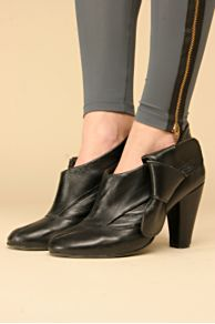 Bow Side Ankle Booties