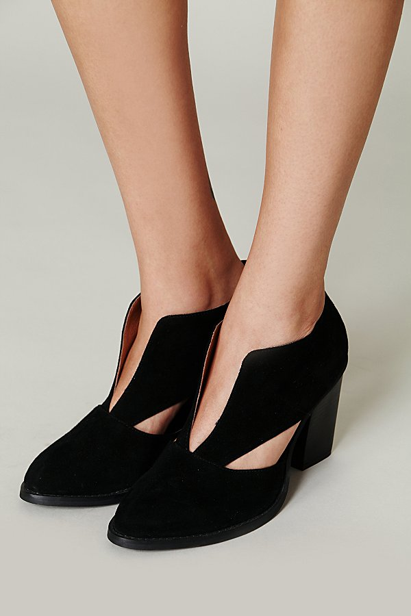 Slide View 5: Deep V Ankle Boot
