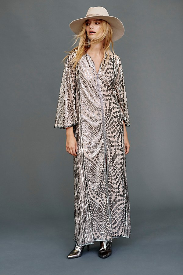 Slide View 2: Silver Maxi