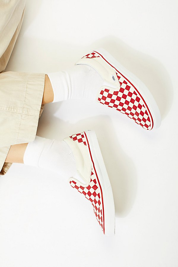 Slide View 2: Classic Checkered Slip-On