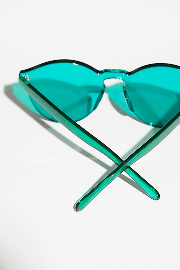 Slide View 5: Spectrum Sunnies