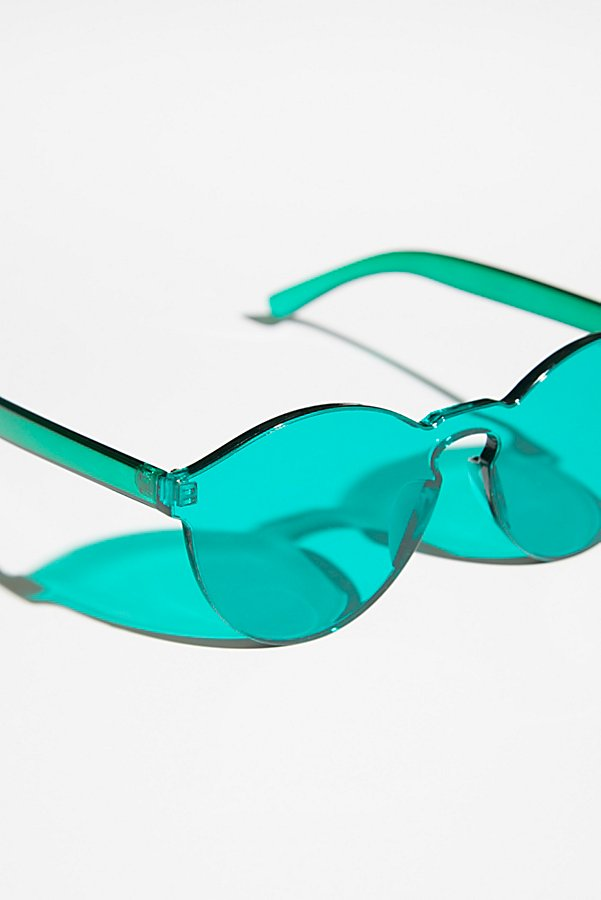 Slide View 3: Spectrum Sunnies