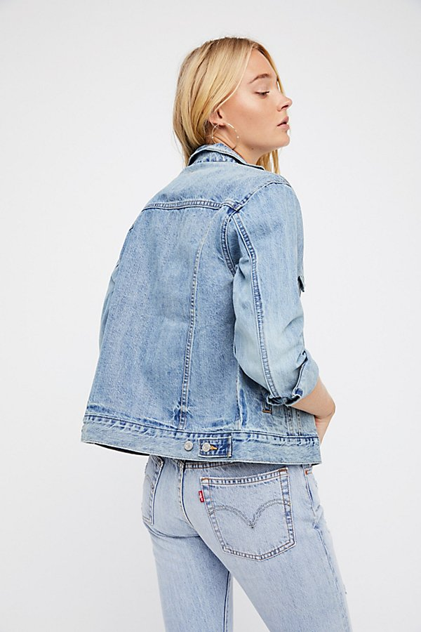 Slide View 2: Levi's Ex-Boyfriend Trucker Denim Jacket