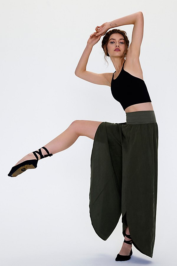 Slide View 1: Chica Lyrical Flow Pant