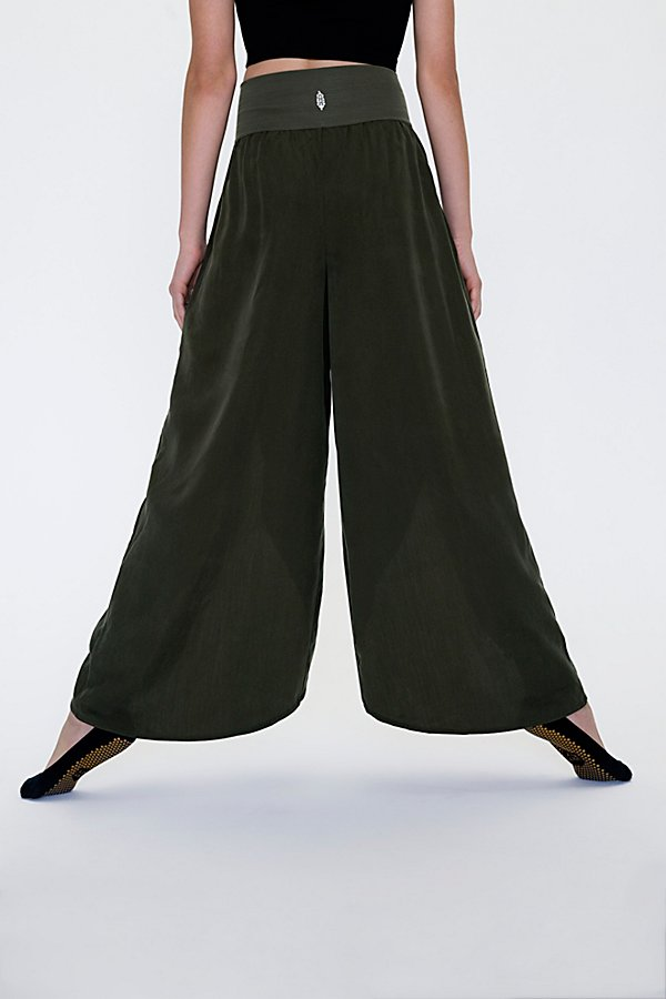 Slide View 2: Chica Lyrical Flow Pant