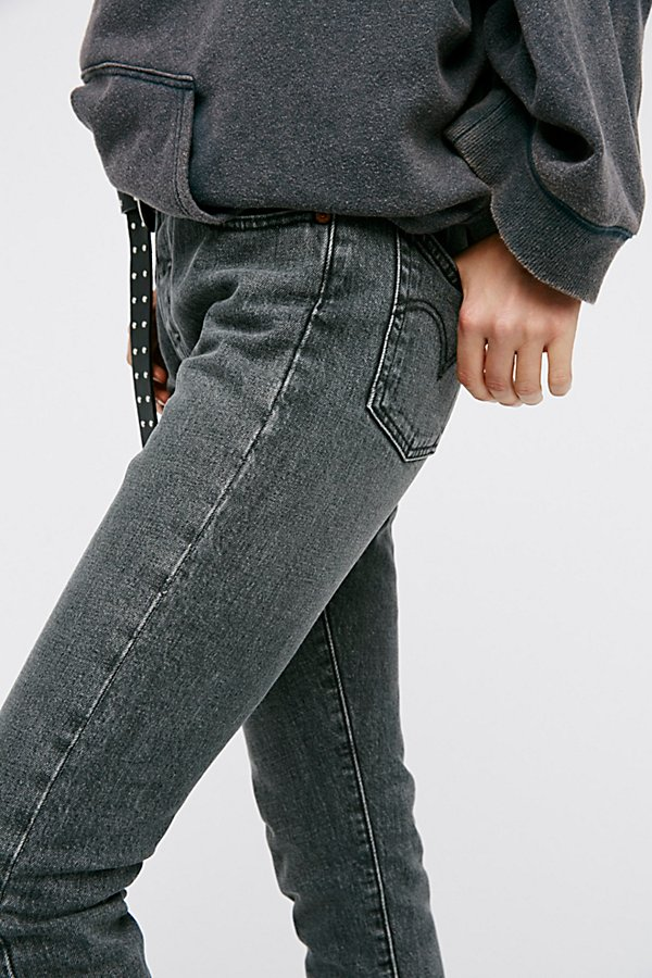 Slide View 4: Levi's 501 Skinny Jeans