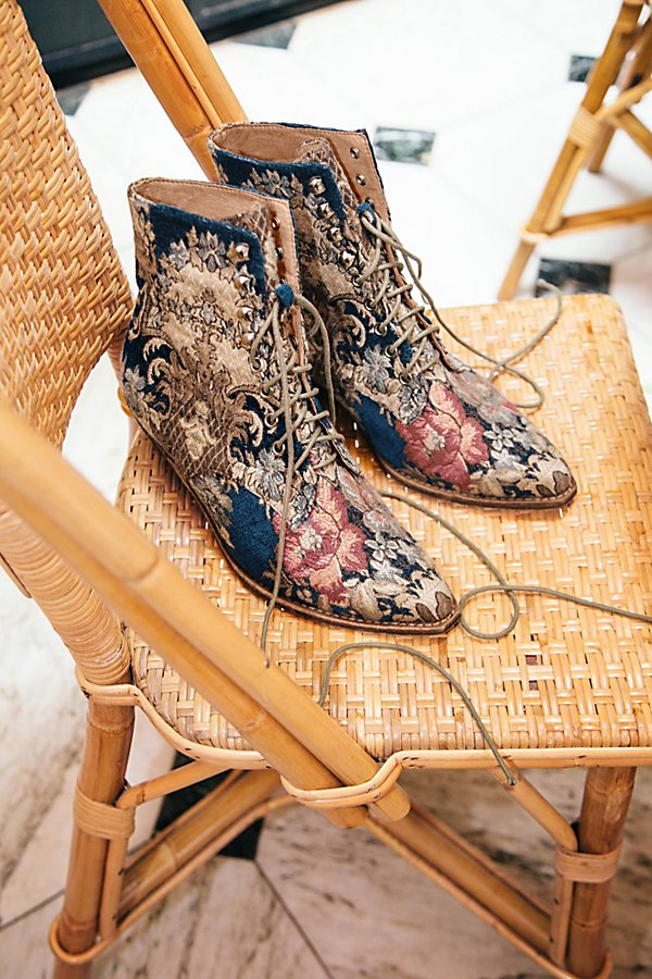 Slide View 5: Grove Lace-Up Western Boot