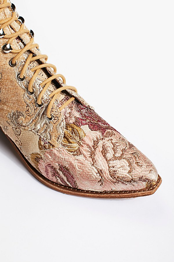 Slide View 4: Grove Lace-Up Western Boot