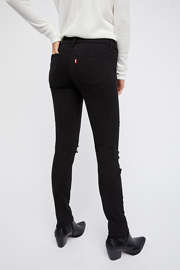 Slide View 3: Levi's 721 High-Rise Skinny Jeans