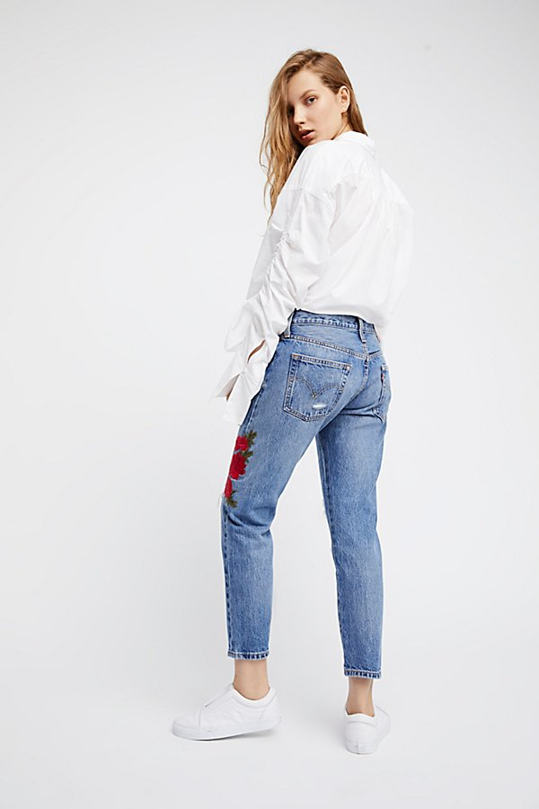 Slide View 3: Levi's 501 Cropped Taper Jeans
