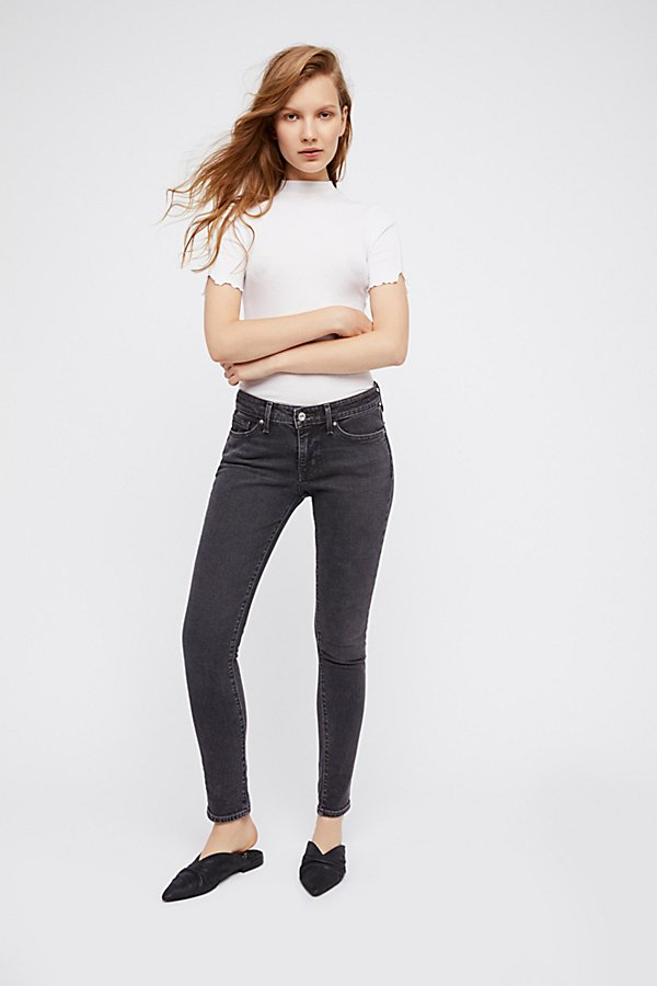 Slide View 2: Levi's 711 Skinny Jeans