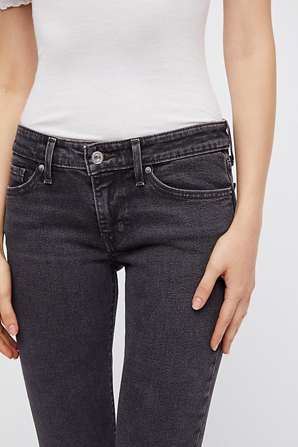 Slide View 3: Levi's 711 Skinny Jeans