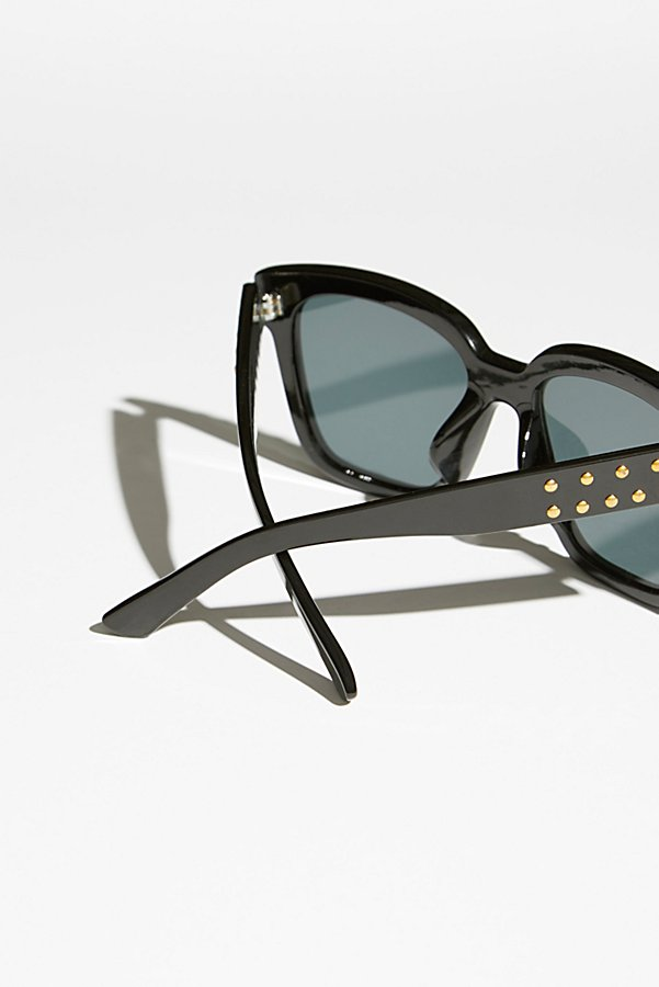 Slide View 3: Stud Muffin Sunnies
