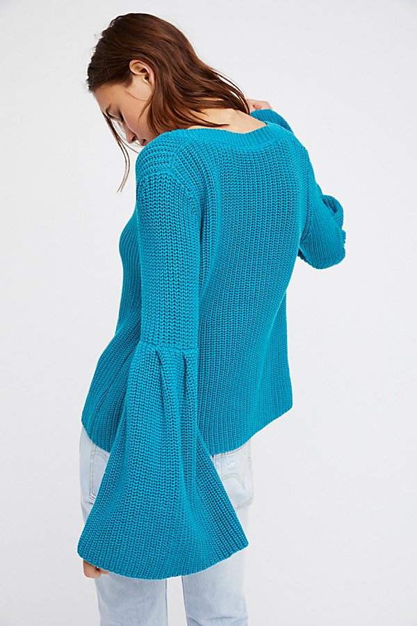 Slide View 3: Damsel Pullover
