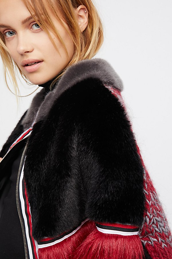 Slide View 4: Cross Line Rebel Faux Fur Cape