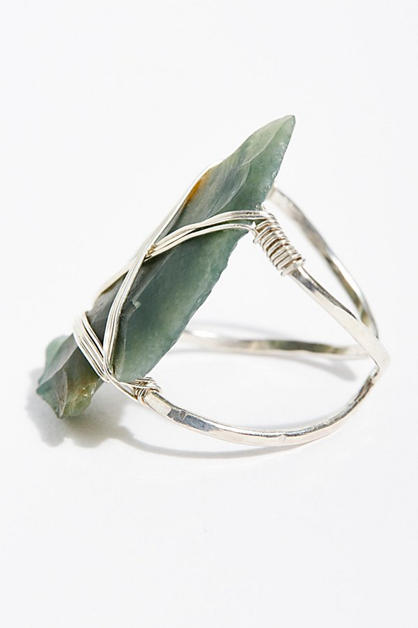 Slide View 3: Coyote Crystal Arrowhead Ring