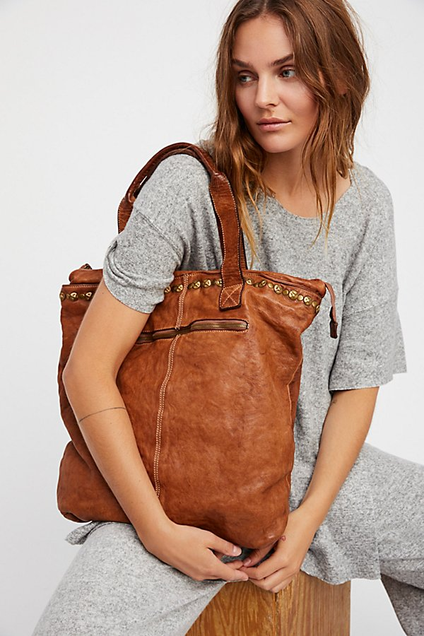 Slide View 1: Benevento Distressed Tote