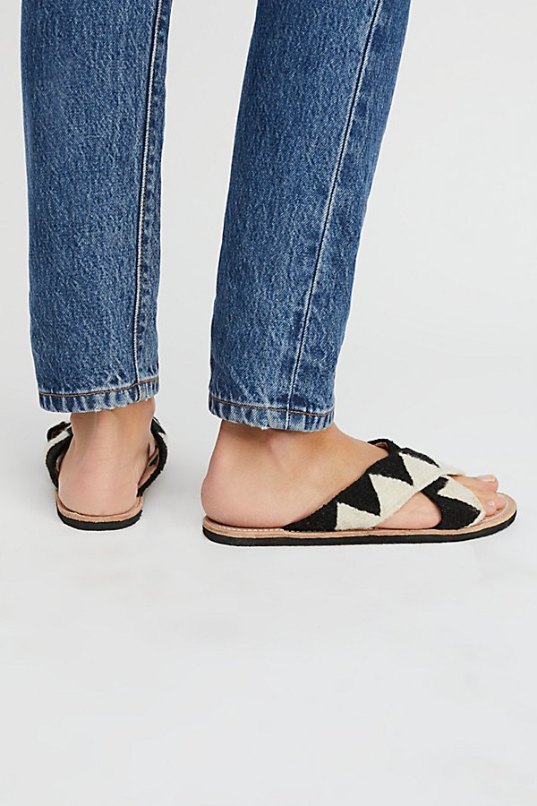 Slide View 4: Jing Slide Sandal