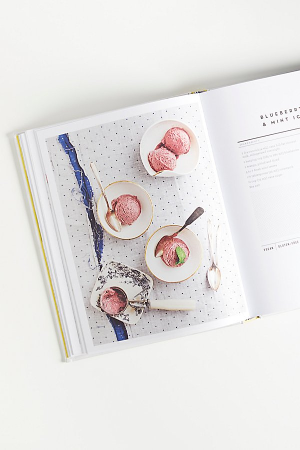 Slide View 5: The Love & Lemons Cookbook