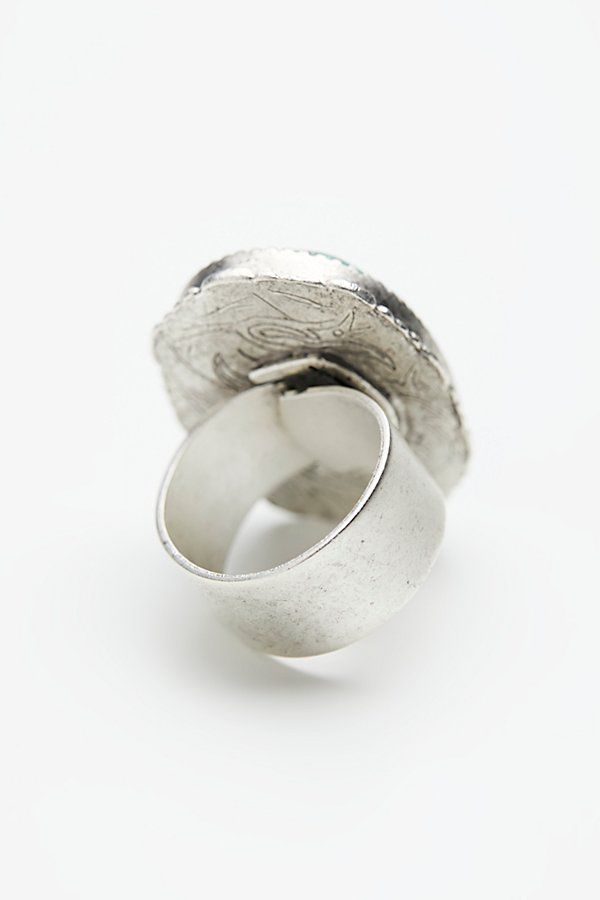 Slide View 4: Crushed Stone Oval Ring