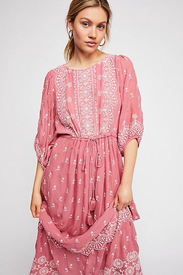 Slide View 3: Cecily Maxi Dress