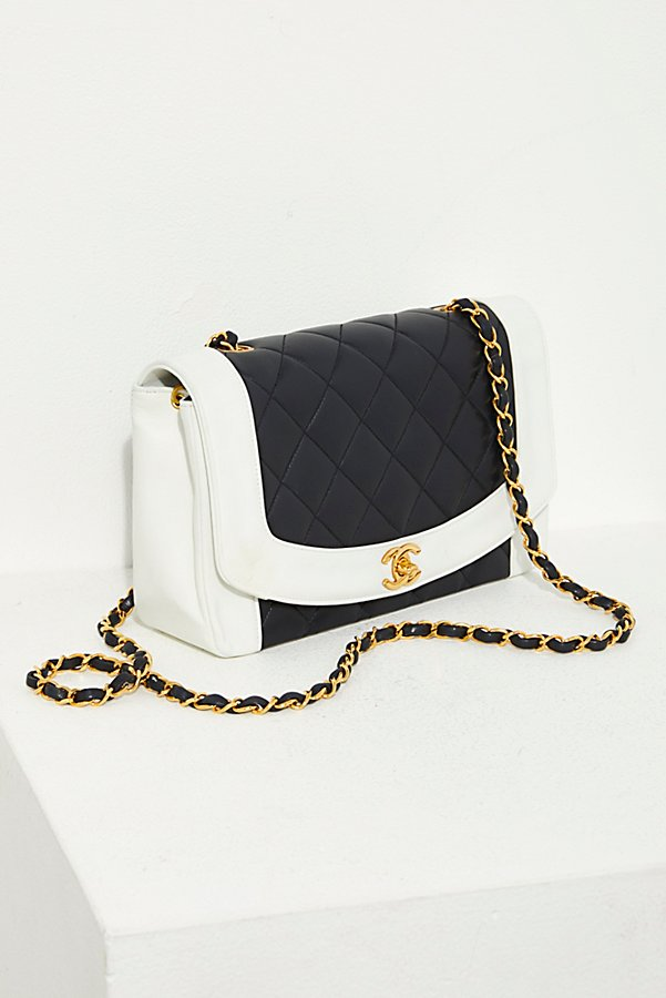 Slide View 1: Vintage Chanel Black and White Quilted Crossbody