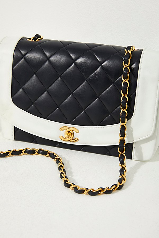 Slide View 2: Vintage Chanel Black and White Quilted Crossbody