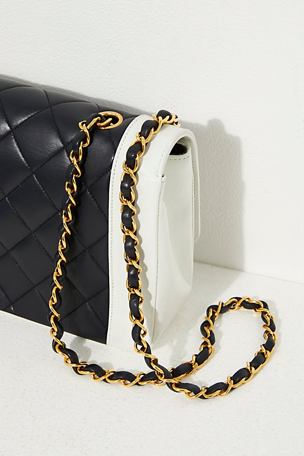 Slide View 4: Vintage Chanel Black and White Quilted Crossbody