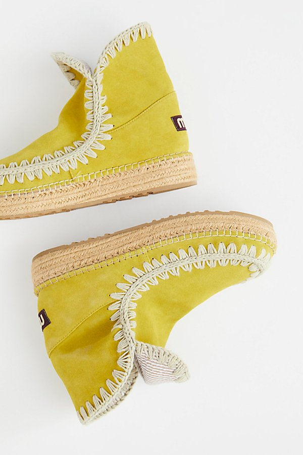 Slide View 1: MOU Surf Lodge Ankle Boot