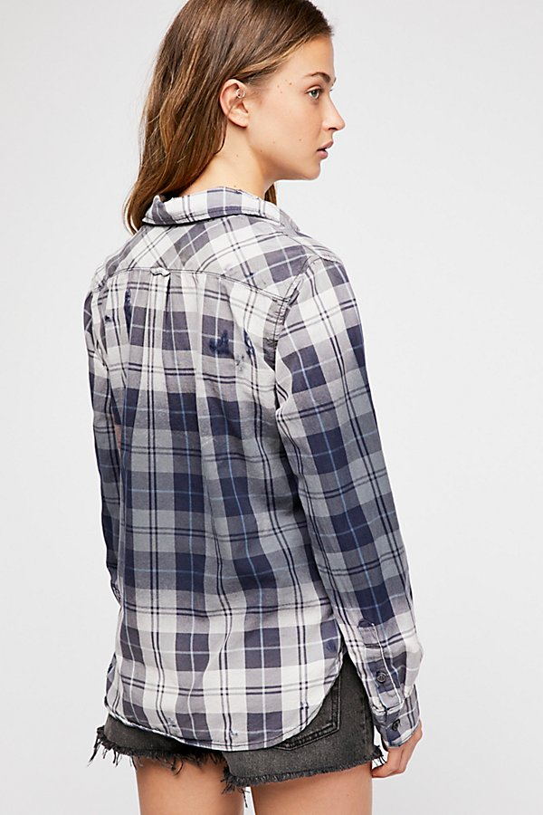 Slide View 2: Axel Plaid Buttondown
