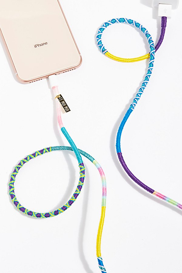 Slide View 1: Le Pom Pom iPhone Charger