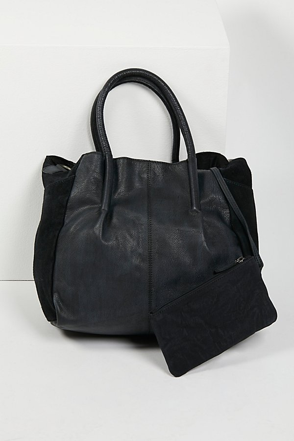 Slide View 3: Modena Leather Tote