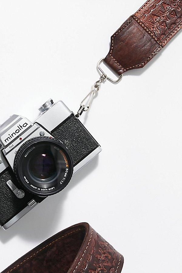 Slide View 3: Lexi Tooled Leather Camera Strap