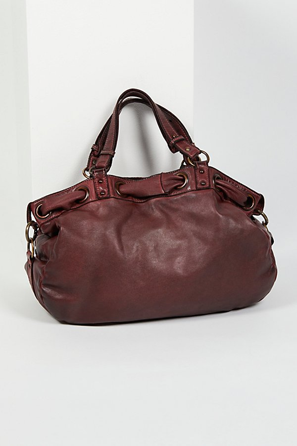 Slide View 4: L'Aquila Distressed Tote