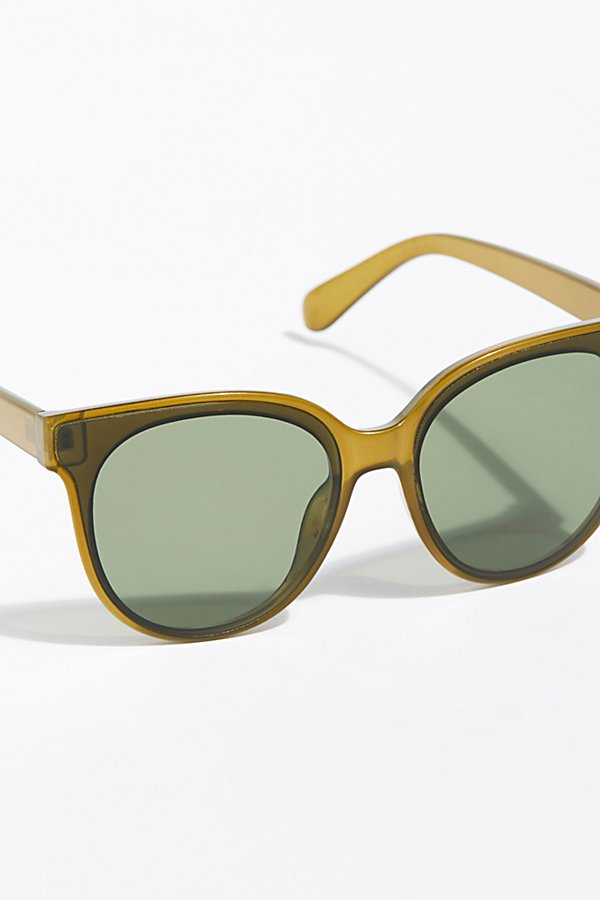 Slide View 3: Nolita Shield Sunnies