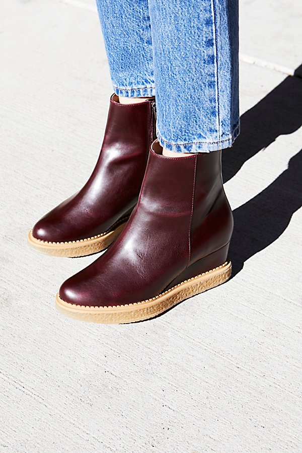 Slide View 1: Vegan Sasha Boot