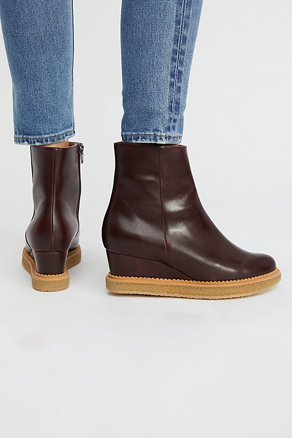 Slide View 4: Vegan Sasha Boot