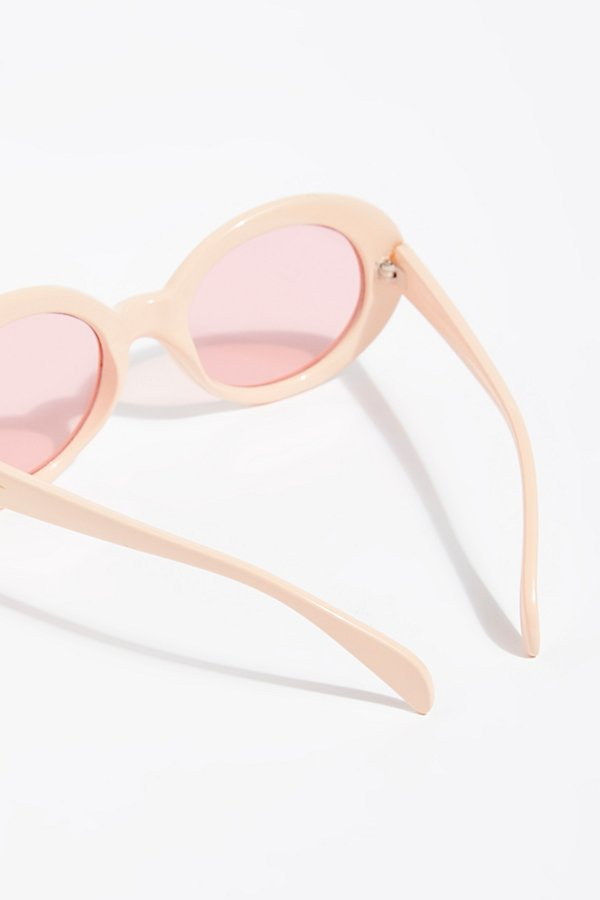 Slide View 4: Outta Sight Star Print Sunglasses