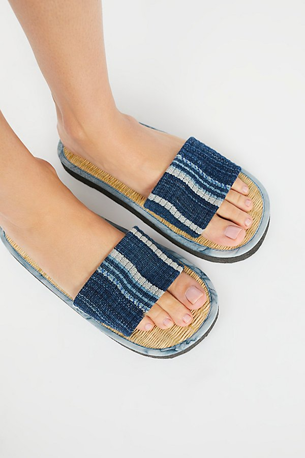 Slide View 2: Say The Sun Slide Sandal