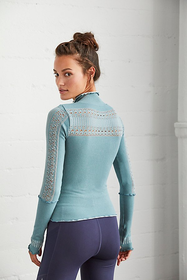 Slide View 2: Seamless Femme Layering Top