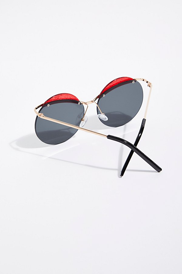 Slide View 4: Cross Roads Sunglasses