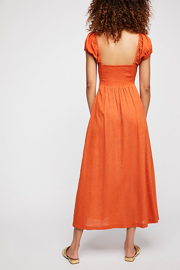 Slide View 2: The Getaway Midi Dress