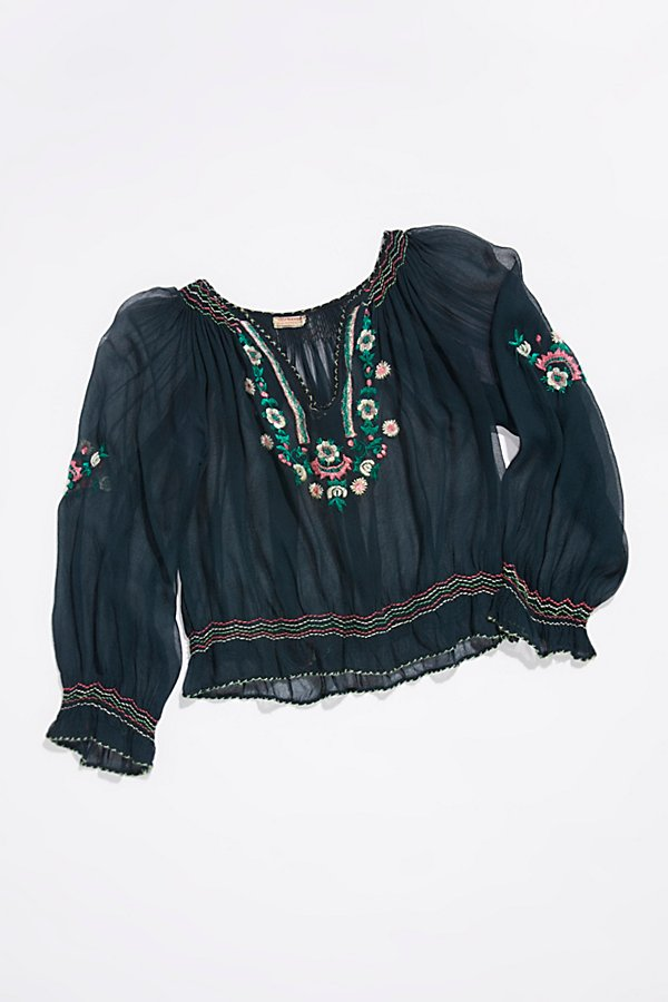 Slide View 1: Vintage 1940s Embroidered Peasant Top