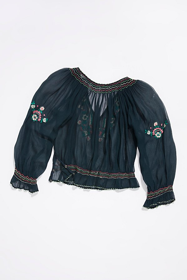 Slide View 3: Vintage 1940s Embroidered Peasant Top