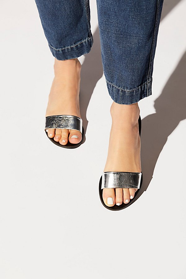 Slide View 1: Monzon Sandal